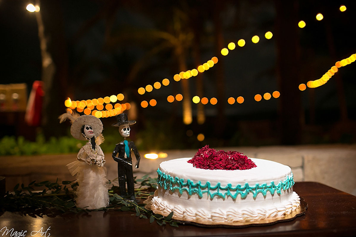 day-of-the-dead-wedding-cake